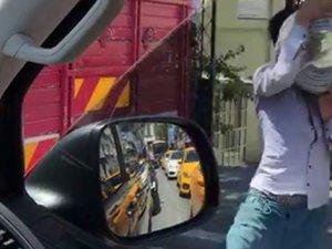 Seyir halindeki kamyonette yaşanan hırsızlık kamerada