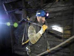 Madenci Uğur'un 'mutlak karanlık'ta mesaisi