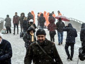 Tüm yurdu etkisi altına alan kar yağışı adeta vatandaşlara görsel şölen yaşattırdı.