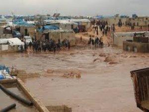 Suriye'deki kamplarda sel çilesi