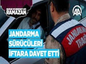 Jandarma sürücüleri iftara davet etti